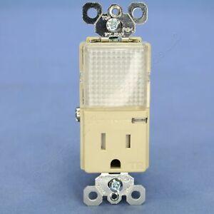 P&S Ivory 15A Tamper Resistant Outlet LED Hallway Guide Light 125V TM8HWL-TRICC6