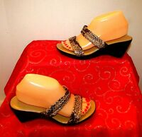 """ITALIAN SHOEMAKERS TAUPE/CHARCOAL REPTILE PRINT OPEN TOE 2.75""""WEDGE SANDALS SZ 8"""