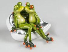 717689 Frosch Paar auf Sofa hellgrün 13cm aus Kunststein mit witzigen Details