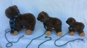 3 Bear Family On Wheels Pull Toys Applause