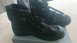 Palladium Boots Size 41 /9 Womens