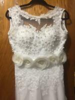 Wedding Dress White lace handmade beads and crystal bridal gown size:6 unique
