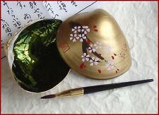 Japanese 'Beni-iri Awase-gai' Painted Seashell Kyobeni Lipstick Cherry Blossom