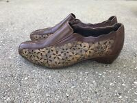 Pikolinos Romana Floral Cut Out Slip On Shoes Brown 39 8.5 9