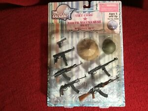 Viet Cong Vietnamese Army WEAPON SET - Ultimate Soldier/21st Century Toys. NIP