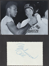Muhammad Ali, autograph on card
