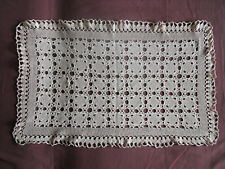 #1189 Beautiful Vintage Hand Made Doily 77cm/47cm/(30'' x18.5'')