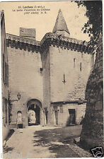 37 - cpa - LOCHES - The door speaker the castle (H9685)