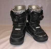 Thirty Two Thirty Two Niu Black Snowboarding Boots Size 3 Kids Youth Boa Lacing