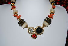 VINTAGE COUTURE CORAL GLASS BEADS AND GOLD TONE BEADS CENTERPIECE CLASP NECKLACE