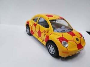Volkswagen New Beetle yellow red kinsmart TOY car model 1/32 scale open doors