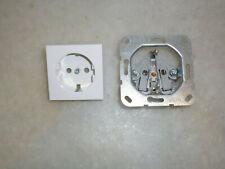 GIRA Reinweiß glänzend System 55, 3 Stück1-fach waage / senkrecht + 3 Steckdosen