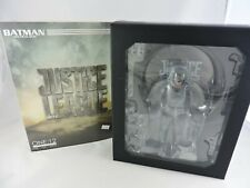 BATMAN Tactical Suit 1/12 scale Figure JUSTICE LEAGUE Mezco Toyz DC Comics NEW