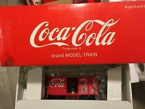 """LGB 45352 COCA COLA BOX CAR W/SOUND """"Things Go Better With Coke"""" JINGLE G SCALE"""