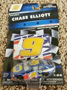 Chase Elliott 2018 NASCAR Authentics 1/64 Diecast - Wave 9 NAPA Coca-Cola 600