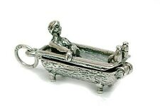 VINTAGE SILVER apertura Cheeky Lady in bagno Charm