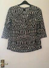 Black & Cream White Geo Print Lightweight Tunic Blouse Top | H&M | Small (UK 10)