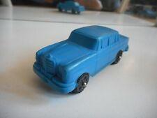 Vinyl Mercedes 250 in Blue