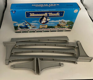 Walt Disney World Monorail Track Playset 4 Straight Beams & 4 Columns
