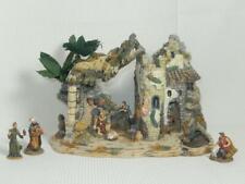 2003 Grandeur Noel Bethlehem Village Stable Inn With 5 Figures, Gc