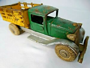 Vintage Arcade Cast Iron Stake Truck Toy green/yellow & rubber tires T313-1