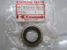 KAWASAKI NOS CRANKSHAFT OIL SEAL 92049-1068 KDX175 KDX200 KX125