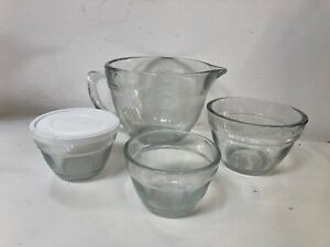 Set of Pampered Chef Clear Glass Measuring Jug and Bowls