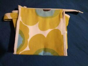 MARIMEKKO Cosmetic Bag. Pre-owned.  Color - green flower.  20x20 cm (8x8 inc)