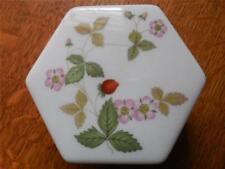 Wedgwood Wild Strawberry bone china octagonal box  - EXCELLENT