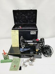 VTG NEAR MINT 1948 SINGER FEATHERWEIGHT 221 SEWING MACHINE WITH CASE SERVICED