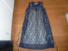 Simply Vera Vera Wang gray lace dress with nude lining and has pockets size XS