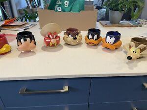 Vintage 1992 Looney Tunes Warner Brother Plastic Mug Cup set of 7
