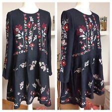 Zara Woman Bloggerkleid S 36 36/38 Blumen geblümt bestickt Stickerei