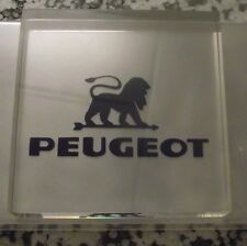 publicite carré plexiglas lion plastique collectionneur moulin a café peugeot