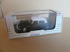 17H Universal Hobbies 4665 Citroën DS 19 Noir 1964 1:43