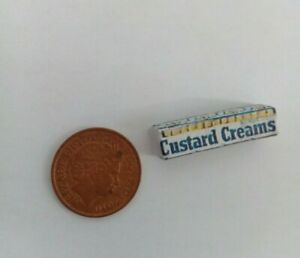 1/12 Scale - Packet of Custard Creams Biscuits for Dollshouse Miniatures