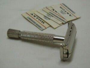 Vtg British Gillette Rocket Flare Tip Safety Razor late 50's Brit.Pat. 694093 II