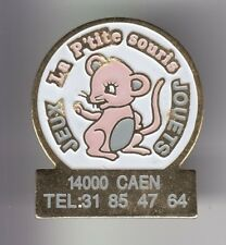 RARE PINS PIN'S ..  ANIMAL SOURIS MOUSE MAGASIN STORE JOUETS  JEUX CAEN 14 ~DX