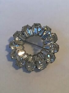 Vintage WEISS Designer Signed GORGEOUS RHINESTONE BROOCH Jewelry