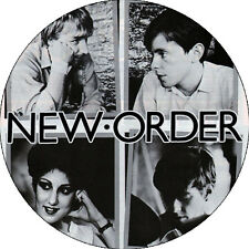 CHAPA/BADGE NEW ORDER . pin button joy division ultravox bernard summer