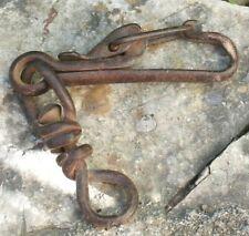 ancien mousqueton en metal
