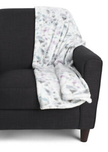 """Berkshire Plush Velvet Loft Throw Blanket White Floral Lavender 50"""" x 70"""" New"""