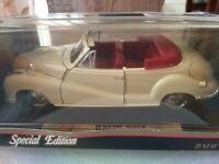 Modellino Maisto Bianco Panna BMW 502 ANNO 1955 scala 1/18 da collezione