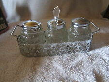 CONDIMENT SET SALT & PEPPER AND SUGAR WITH METAL HOLDER PLASTIC SPOON