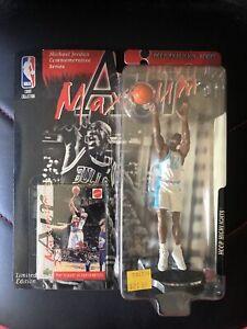 1999 Air Maximum Michael Jordan Hoop Highlights Series College POTY Figure