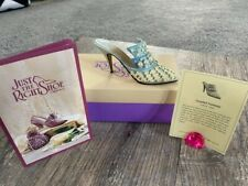 Just the Right Shoe by Raine - Frosted Fantasy Item 25032