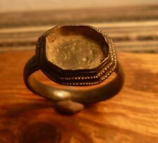 LATE MEDIEVAL FASHIONED & DECORATED RING WITH PATINA-METAL DETECTING FIND