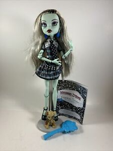 Monster High FRANKIE-STEIN Basic Series w/ Stand & Accessory
