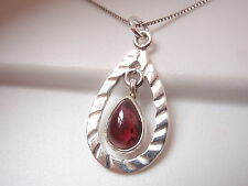 Garnet 925 Sterling Silver Pendant Dangle in Grooved Hoop New d47w
