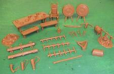 Marx Toys Medieval Accessories (chestnut color) 20 plus pcs MXR-M/RHA